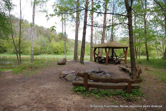 Rest area near Padūkštai burial ground