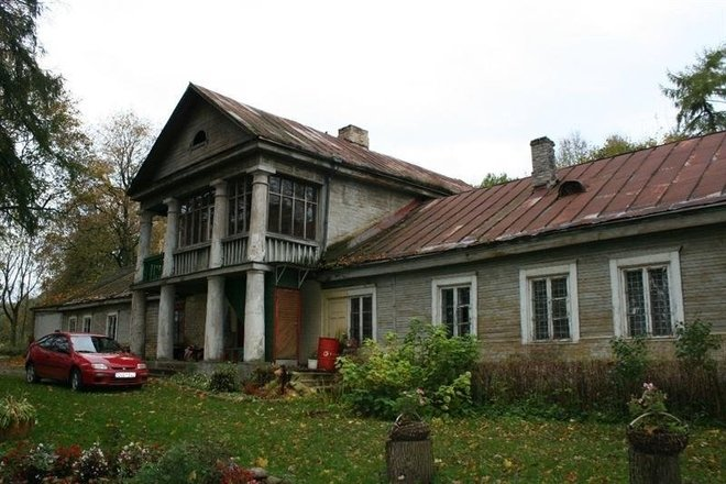 Fragments of the homestead of the former manor of Ausieniškės