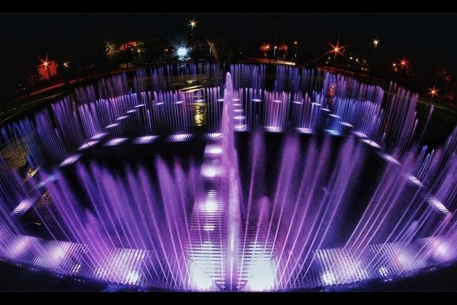 Dynamic Maze Fountain
